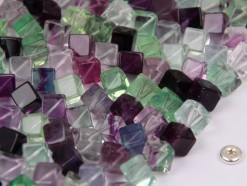 Fluorite cube 6x6mm diagonal drilled(2)